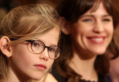 Как приучить ребенка к очкам?